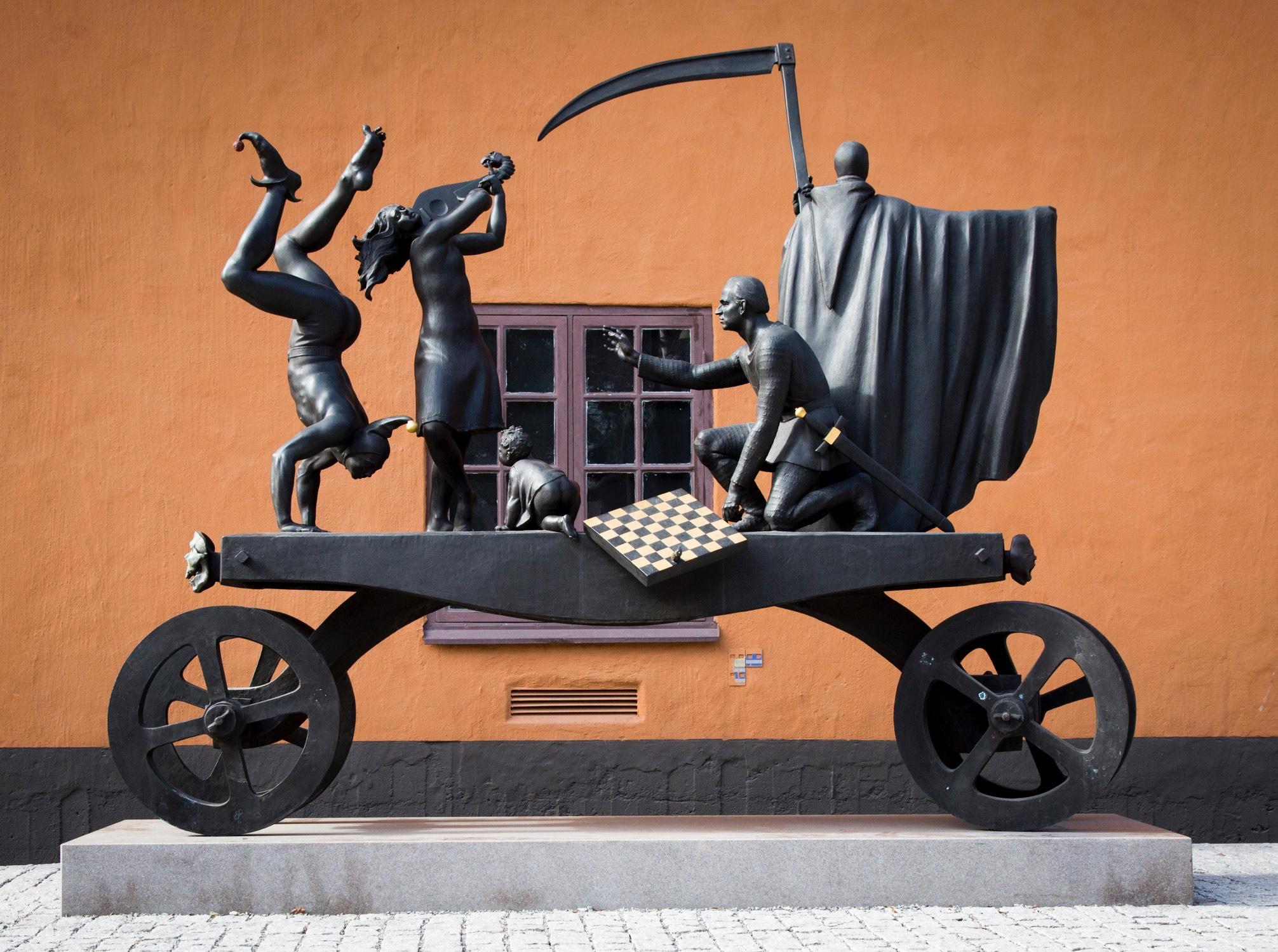Statyn Teatervagnen av Peter Linde