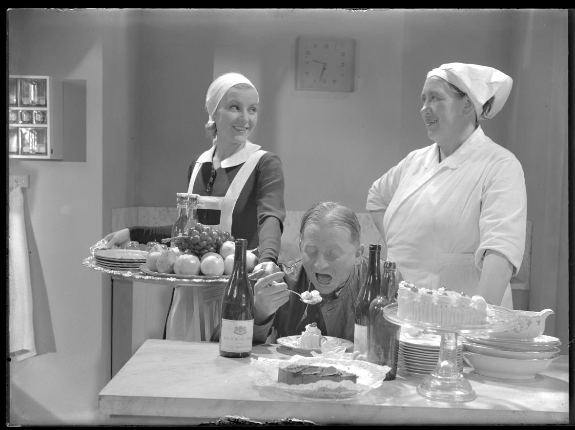 Sara lär sig folkvett (1937)
