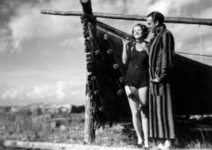 Ingrid Bergman och Sten Lindgren i Bränningar (1935).